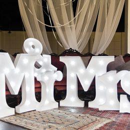 Fenix.gr - Δεξίωση γάμου - Mr&Mrs